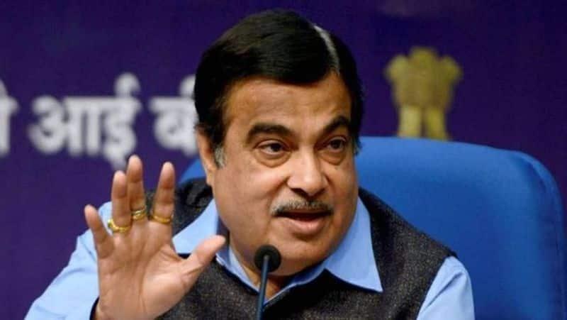 all the politicians shows interest towards nitin gadkari