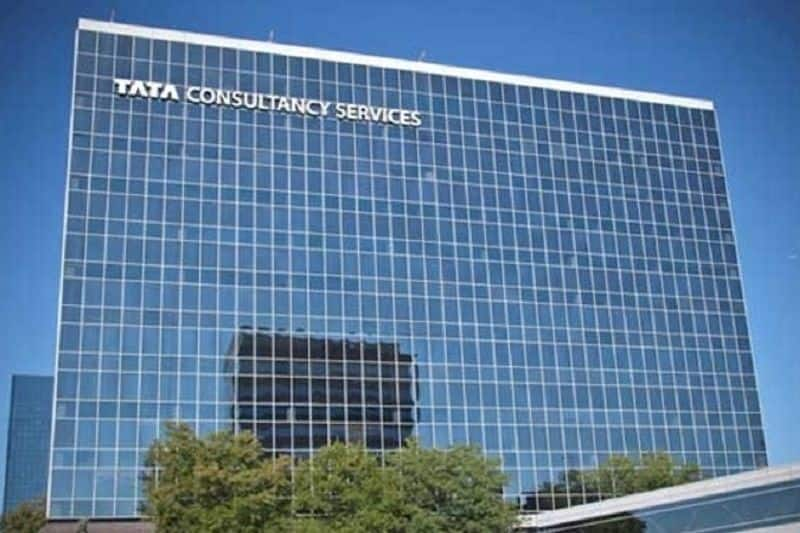 Tcs get award of most vauable company in IT sector, in top ten four indian IT companies included