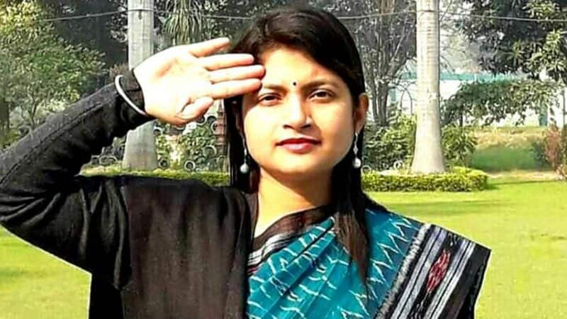 Chandrakala summited her document through her advocate, he avoided produce itself in ED