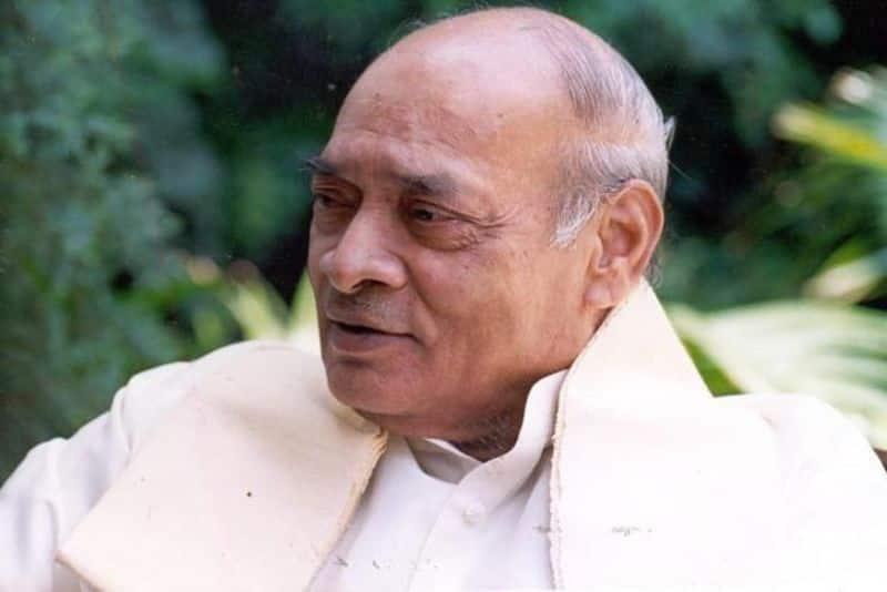 Right wing wants Bharat Ratna another Congress PV Narasimha Rao,