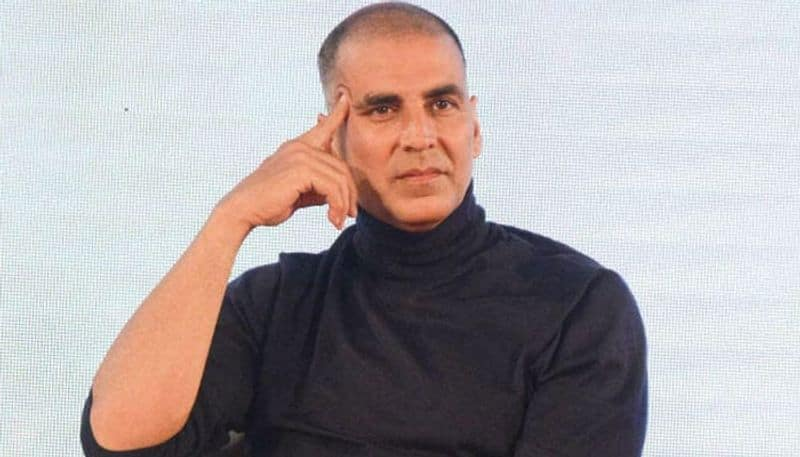 akshay kumar fan try to come in his house without permission, police arrested him