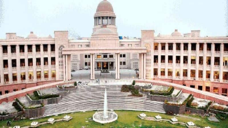 High court declared illegal state government strike, government increase contribution from 10 to 14 percent