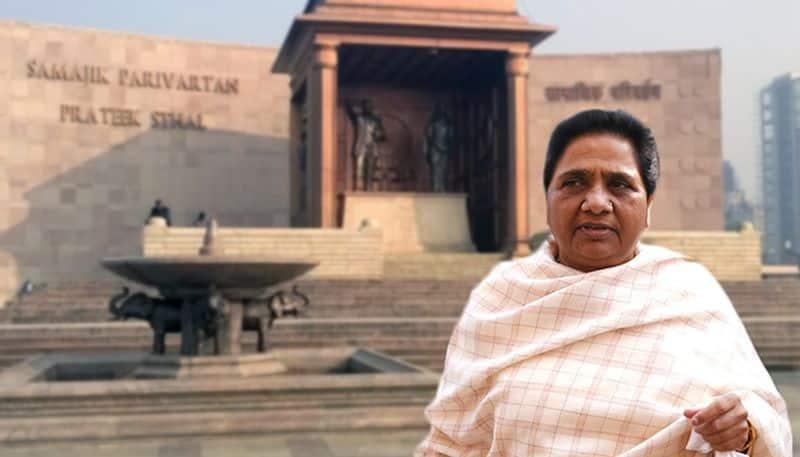 Supreme Court orders Mayawati to return expenses on elephants and idols
