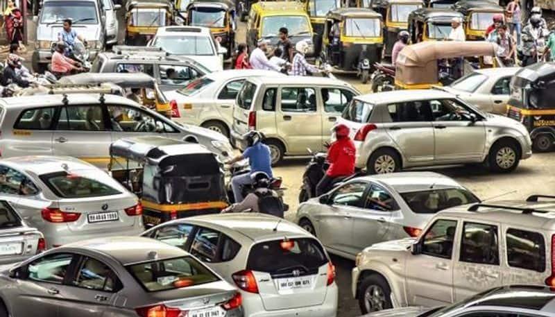 Rajya Sabha clears Motor Vehicles Amendment Bill; heavy fines to be imposed on traffic violators