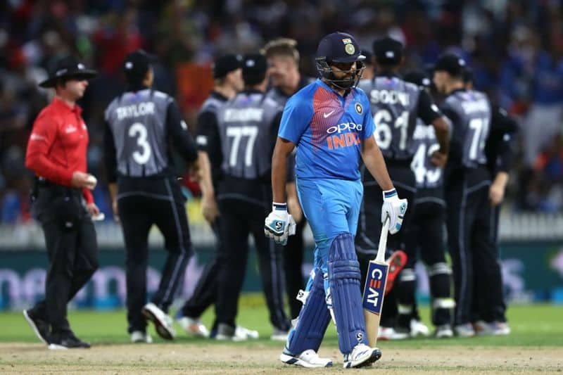 india lost 3 wickets to trent boult and kl rahul batted at number 4 position