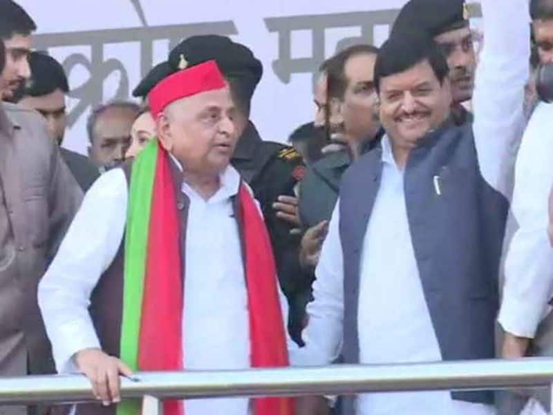 On the occasion of shivpal singh Yadav Mulayam not give wish to him, Aperna Yadav also kept away from shivpal birthday function