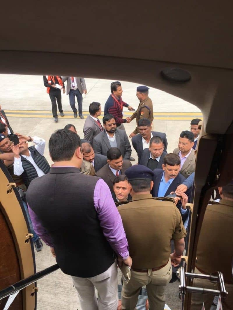 Airport authority stop Akhilesh Yadav charter plane in Lucknow, Yadav alleged Modi government