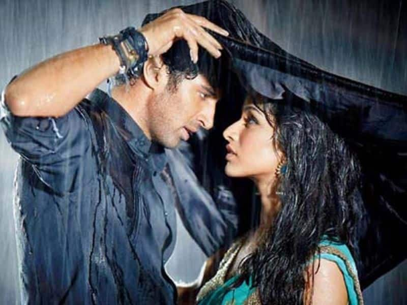 Valentine's Day rain: Weather gods play spoilsport for loved up couples