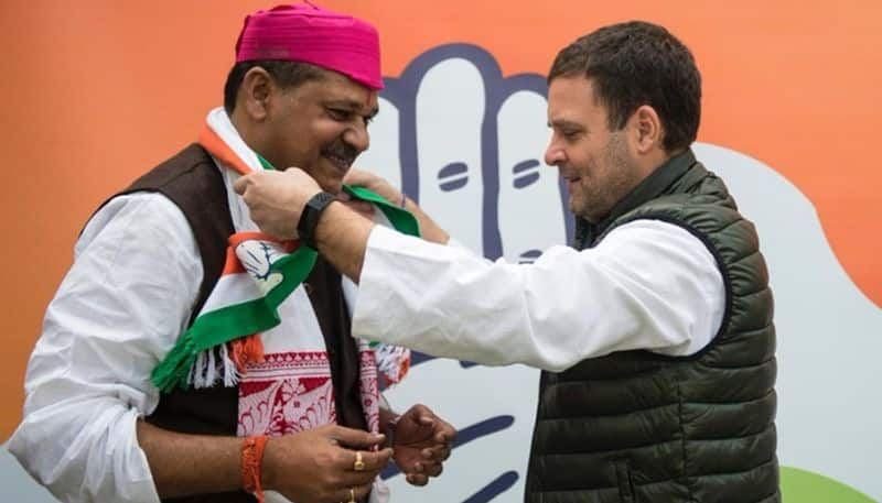 Suspended, disgruntled BJP MP Kirti Azad joins Congress