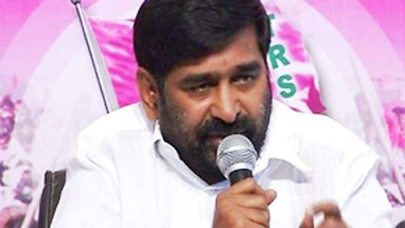 Women leaders slam TRS minister suggesting they do not qualify in Cabinet