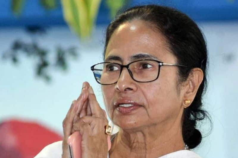 Election Commission wakes up to farce of democracy in Bengal; cops transferred en masse