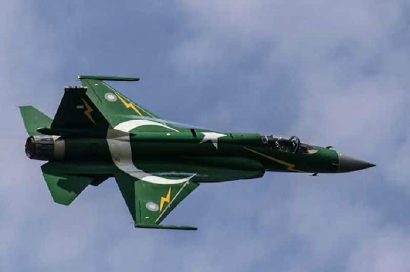Two Pakistan fighter jet crossed border, Indian air force pressurize to turn back