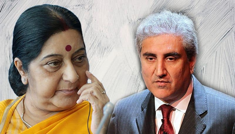 Pakistan foreign minister Shah Mahmood Qureshi walks out in a huff as Islamic nations embrace Sushma Swaraj