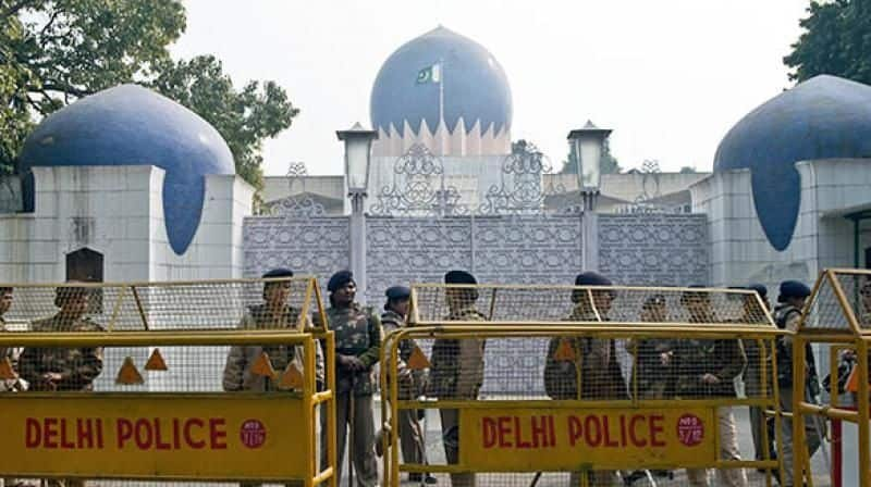 Delhi Police tighten security around Pakistani High Commissioners office in Chanakyapuri due to Abhinandan release from Pakistan