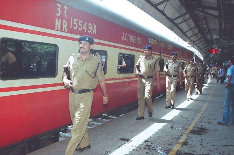 Railways flash alert for terrorist attack in station, trains specially Gujarat, Madhya Pradesh and Maharashtra state