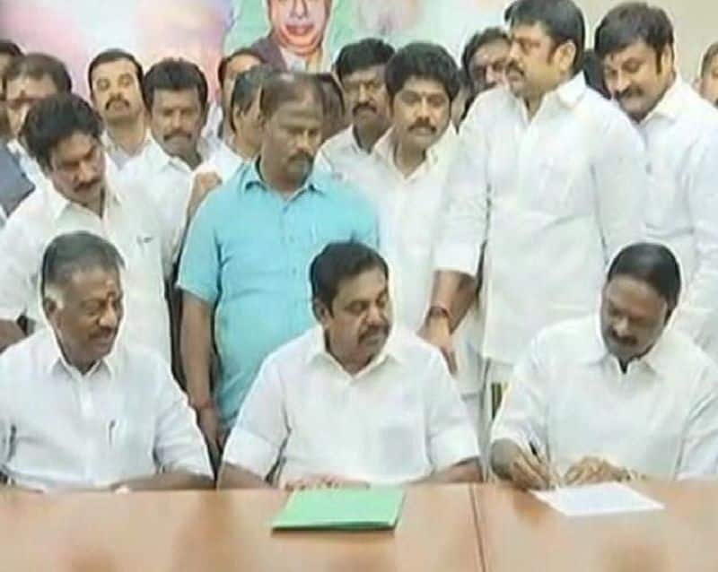 A.C.Shanmugam plan to get AMMK vote in vellore