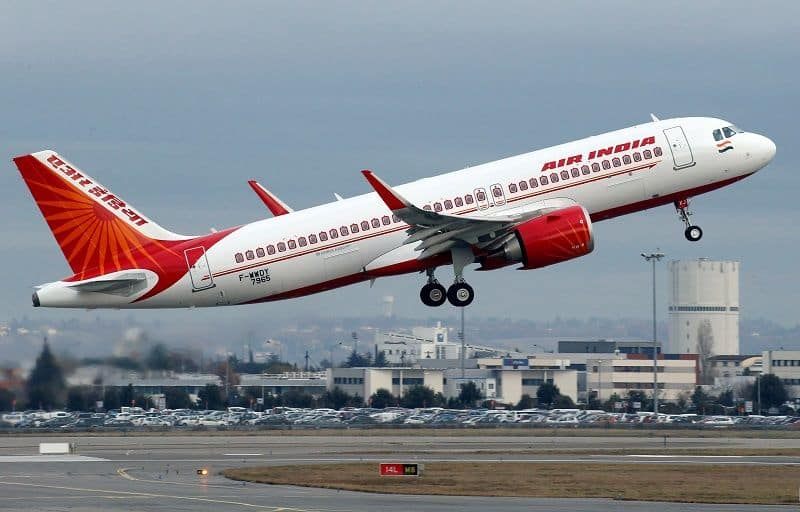 Women pilots lead 52 flight of air india today on the occasion of women day