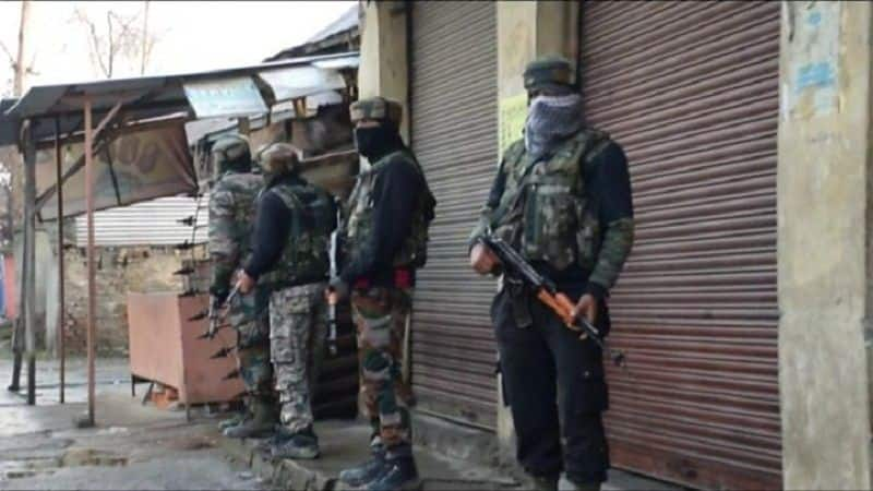 Encounter between security forces and militants underway in Shopian