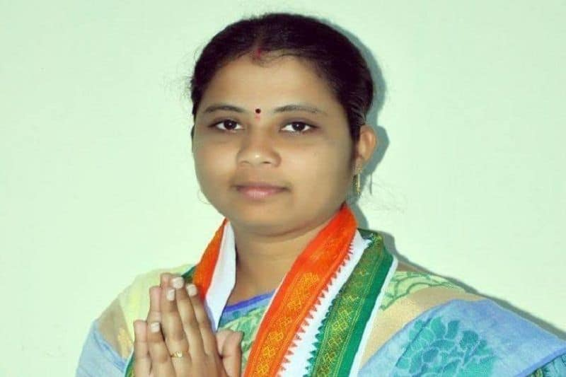 Another congress mlab.haripriya fourth mla during last one month who drop out party in telangana