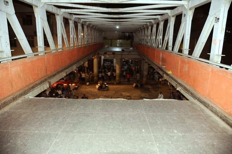 Foot overbridge collapse Mumbai 5 dead, 30 injured