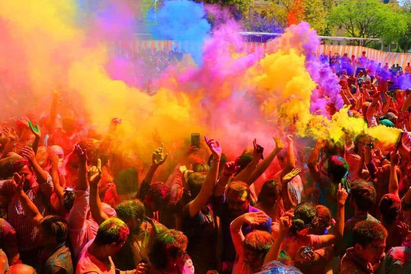 Here's how to keep your house clean during Holi