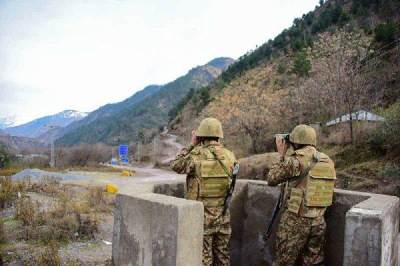 Pakistani army again start firing on the border, a soldier martyr and three injured in Rajouri