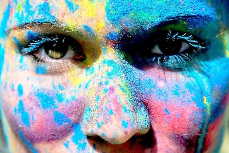 Get in the Holi mode, here's how to make natural colours at home