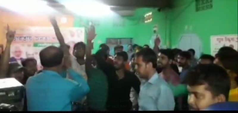Bengal BJP witnesses violent rebellion against nomination of turncoats