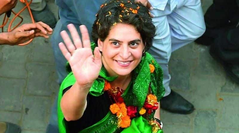 Priyanka Gandhi Vadra becoming common man, will travel in train after her boat yatra in up