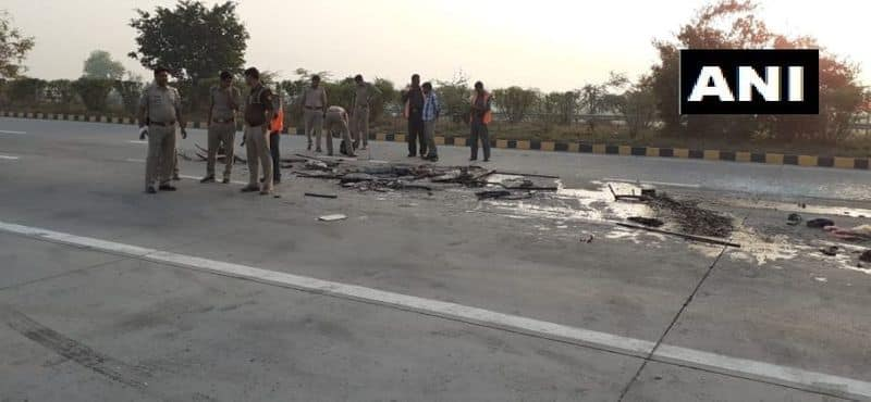 8 killed, 20 injured as bus rams into truck on Yamuna Expressway in Greater Noida
