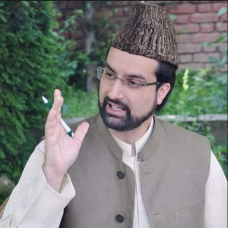 Huriyat ask center govt to release leader Mirwaiz Umar Farooq in the month of Ramzan ckm
