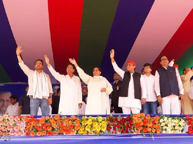 Mayawati asserts while akhilesh remain confused on deoband joint rally stage