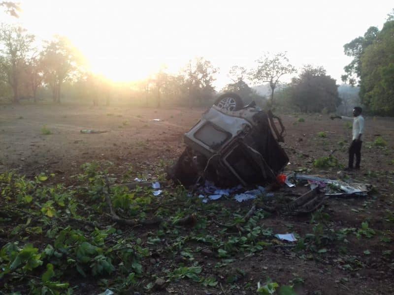 Breaking 4 policemen and BJP MLA die in naxal attack