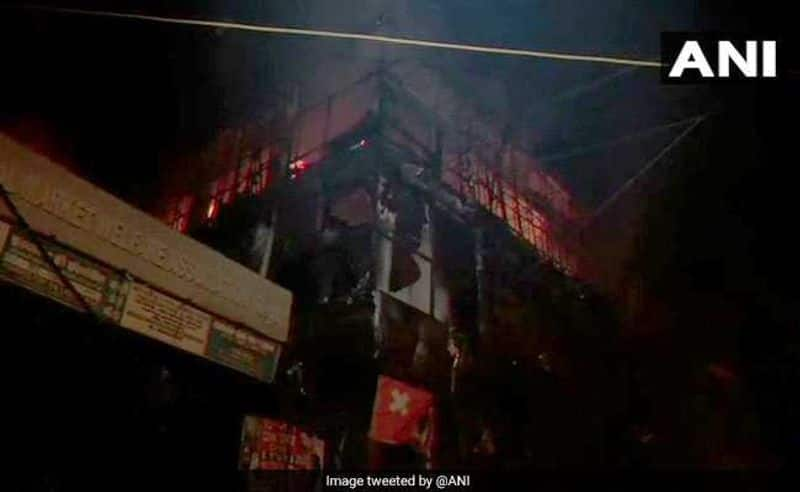 Delhi: Major fire breaks out at a garment shop in Uttam Nagar
