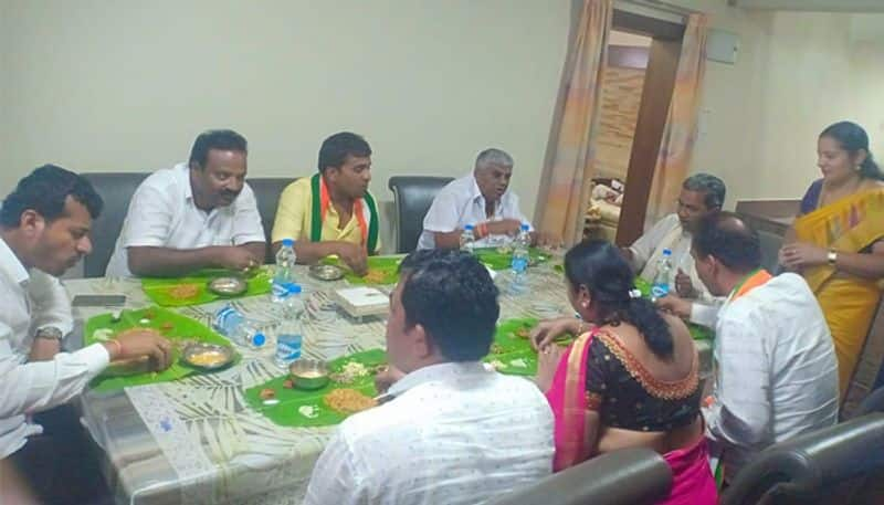 After 15 Years Siddaramaiah Had lunch at Revanna s House