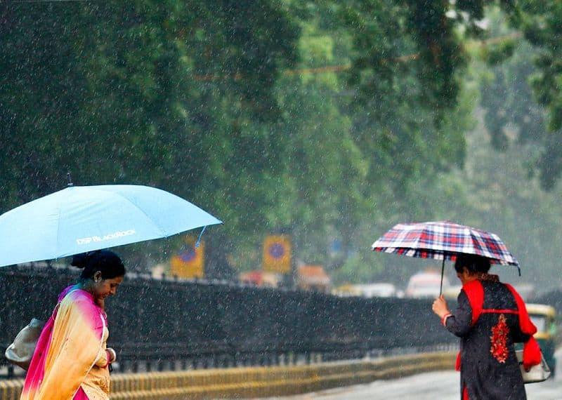 Delhi braces for thunderstorm, temperature to go down