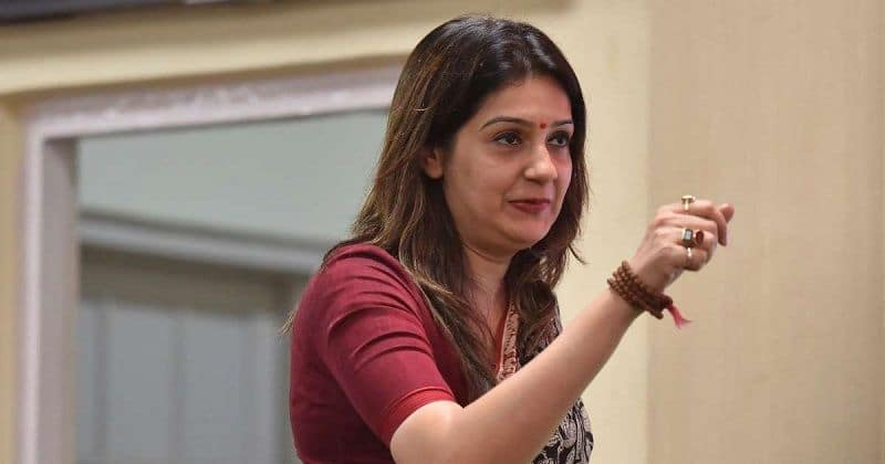 Party spokesperson Priyanka Chaturvedi resign from congress party