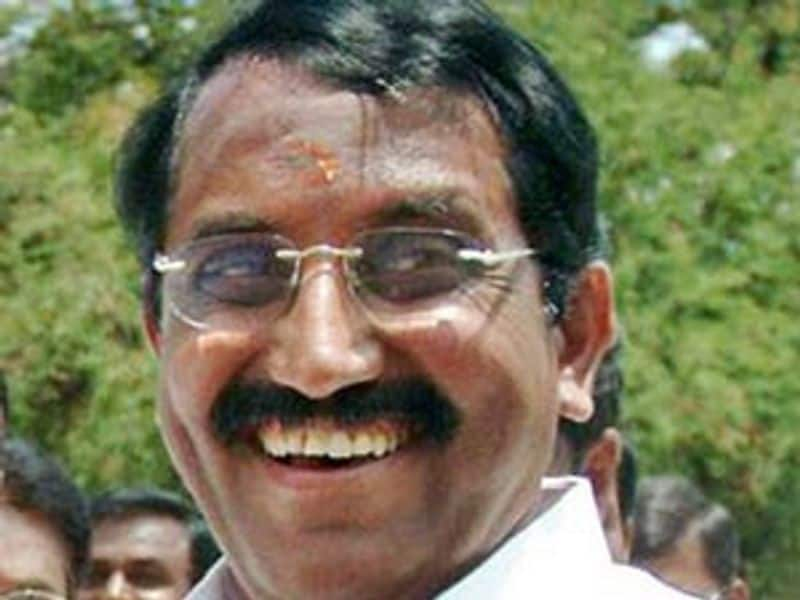 AIADMK ex minister ready to become united in DMK