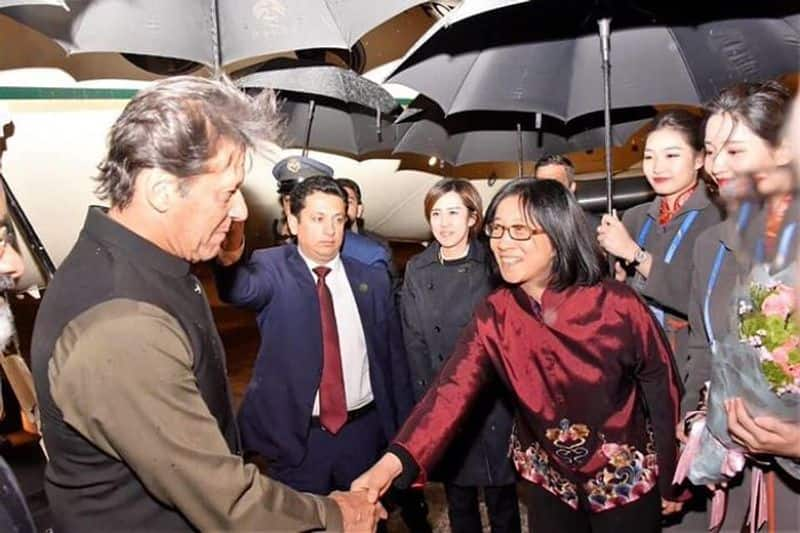China shows Pakistan its place, Imran Khan received by junior officer of Beijing municipality
