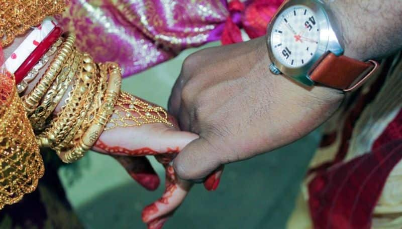 1000 books gifted for groom