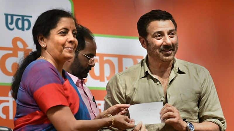 finally, annoyed Kavita Khanna has supported sunny deol from gurdaspur seat