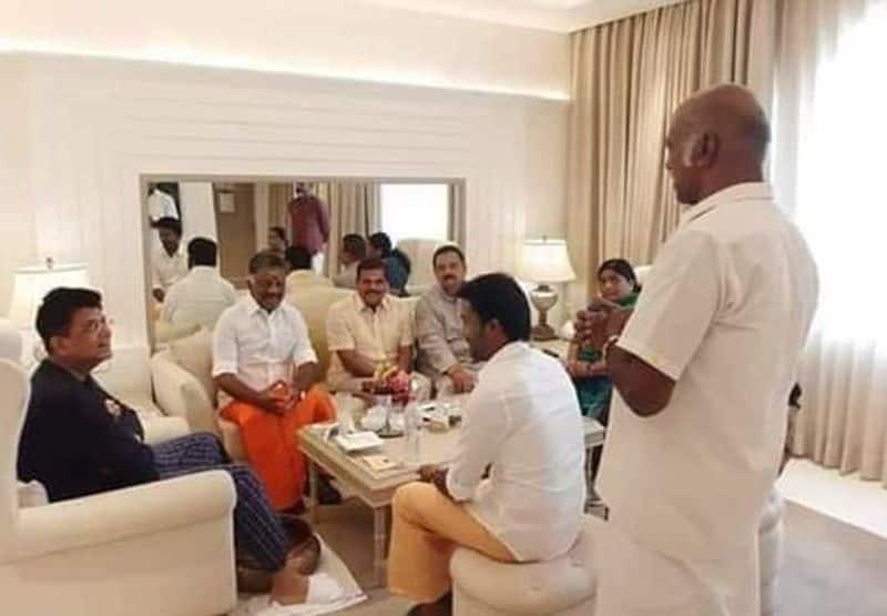 Pannerselvam join BJP