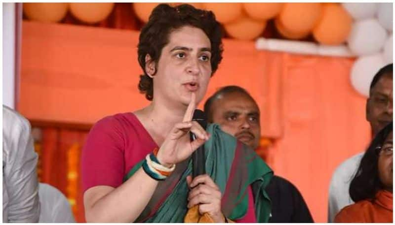 Priyanka Vadra in hot water, NCPCR showcauses her over kids abusing PM in her presence