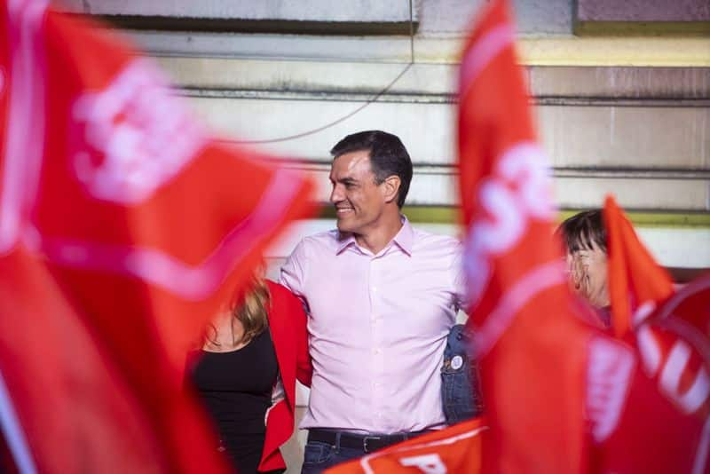 Spain general election: Socialists enter arena while far-right manages to breach wall