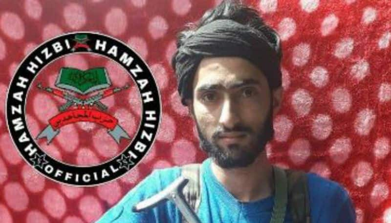 Youth shuns militancy and returns to family in Pulwama
