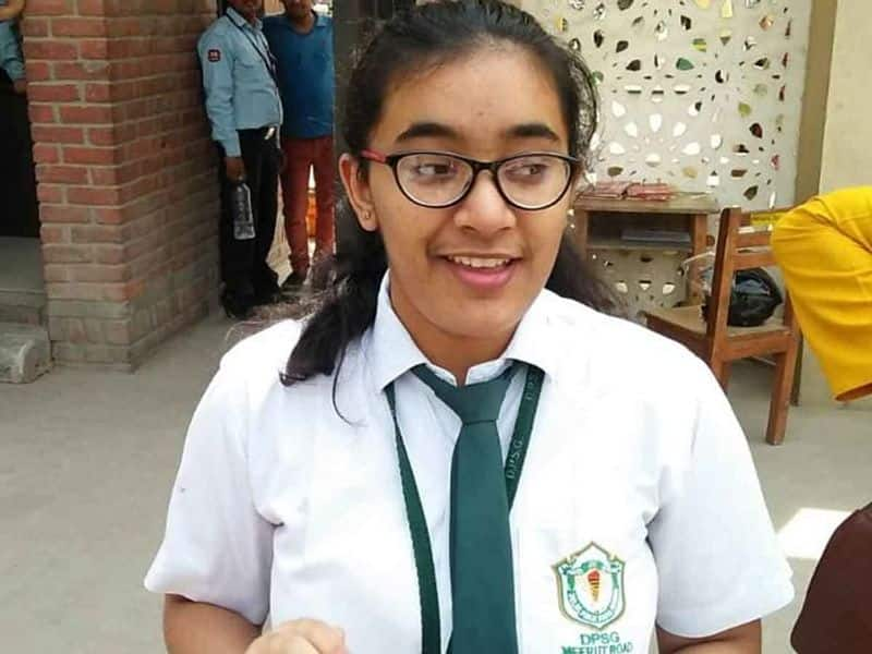CBSE 12th All India Topper Hansika Sukla want to be IFS
