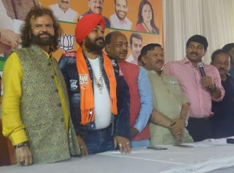 AAP accuses BJP North West Delhi candidate Hans Raj Hans of flouting Election Commission rules, claims he converted to Islam in 2014