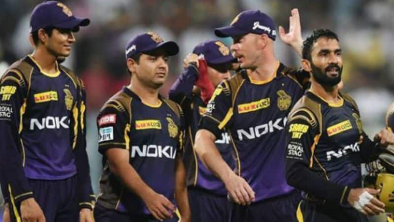 andre russell got angry on mumbai indians opener de kock