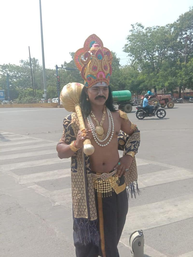 Yama takes to Raipur streets and asks people to obey traffic rules