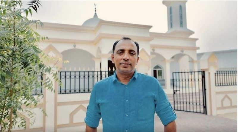 expat builds mosque in UAE and serves Iftar